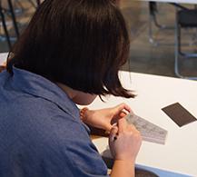 사각사각 스케치 중인 참가자들