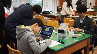 용강중학교 미디어아트 수업 현장