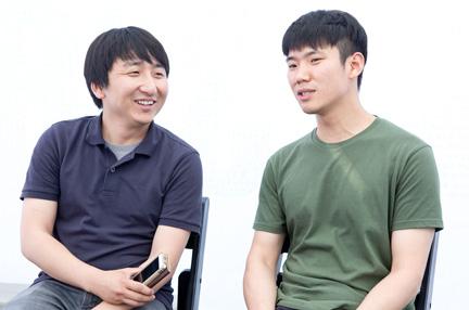 왼쪽부터 전현구, 김태훈 작가